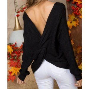 Main Strip TWISTED BACK SWEATER